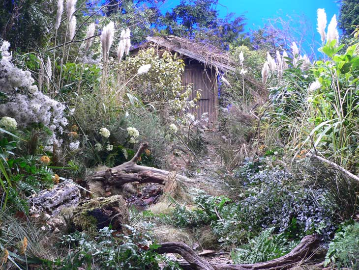 For the TV trailer for Skellig we created an overgrown garden for the mobile camera to track through, which needed to be high on detail as the camera followed a CGI feather through the under growth.